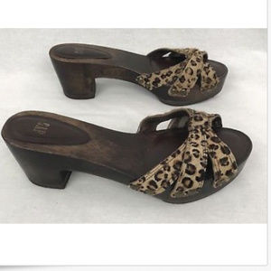 GAP Sandals Wood Heels Animal Print Slide Sz 9